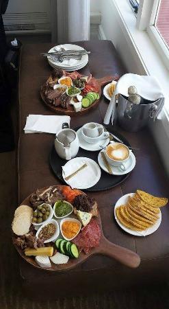 Duke of Marlborough Hotel: Insight on one of the platter styles