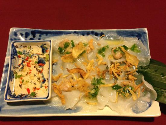 Moon Restaurant & Lounge: White rose dumplings