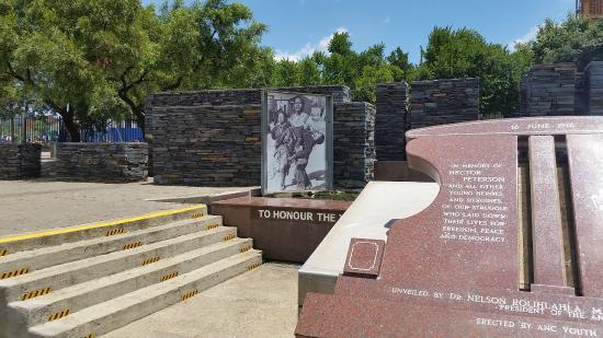 Hector Pieterson Memorial: Imagem da Praça