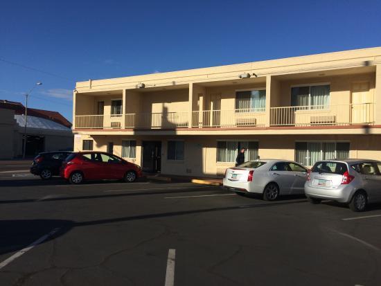Rodeway Inn Downtown Phoenix: Exterior 2 with Reception