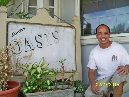Oasis Restaurant: Jhun