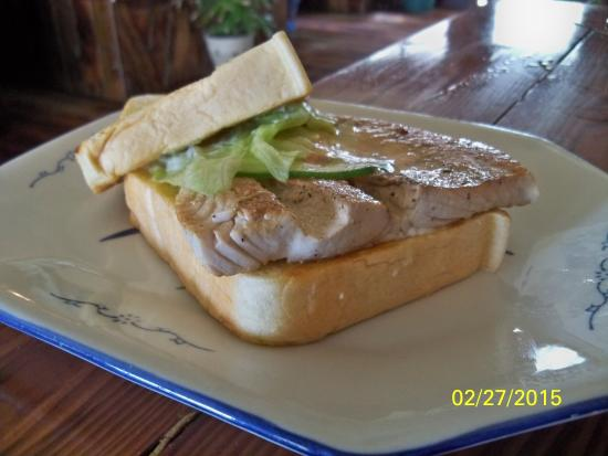 Oasis Restaurant: Fish Sandwich