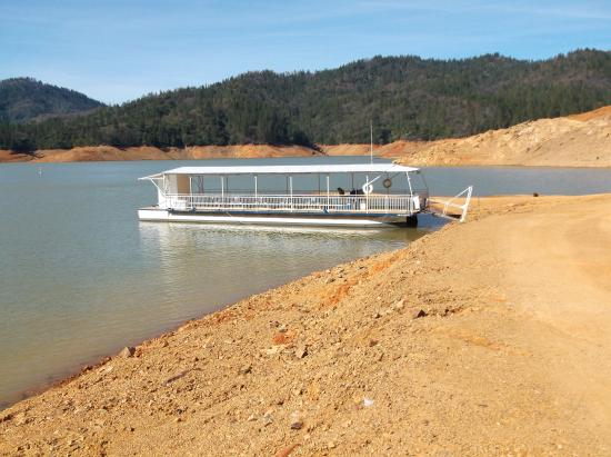 Lake Shasta Caverns: This is the boat that gets you there
