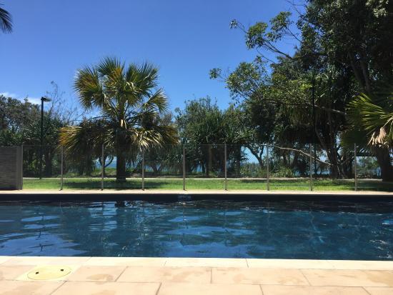 Maison Noosa - Luxury Beachfront Resort: Poolside