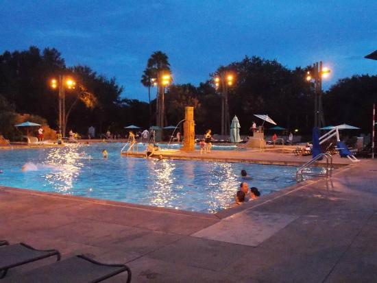 Main pool picture of disney 39 s coronado springs resort for Pool show orlando 2015