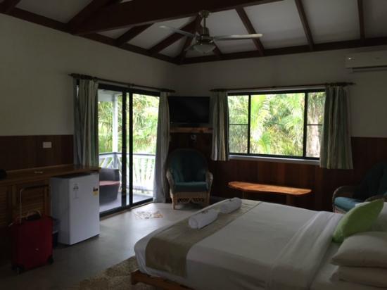 Byron Beach Resort : Massive room!