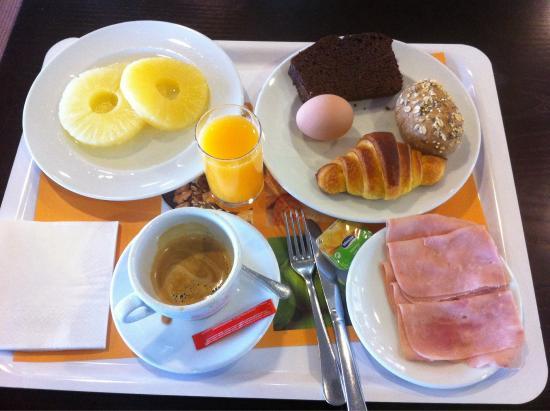 Holiday Inn Express Lisbon Oeiras: Exemplo de Pequeno Almoço