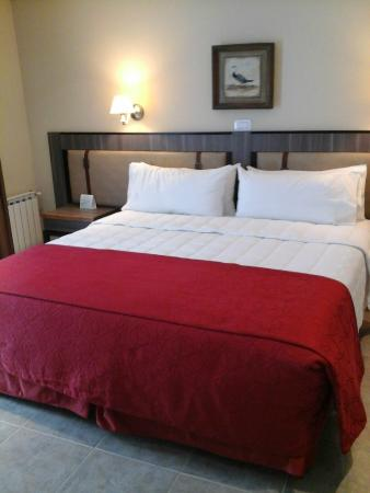 Hotel Las Dunas: cama super comoda con almohadas super comodas