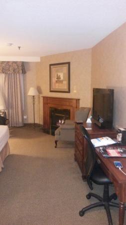 Best Western Plus Cairn Croft Hotel: queen fireplace room