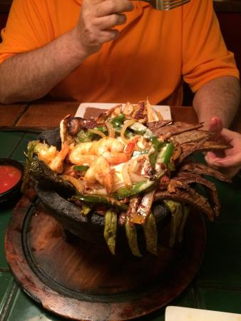 Molcajete tarasco for two picture of el tapatio mexican for El salas restaurante