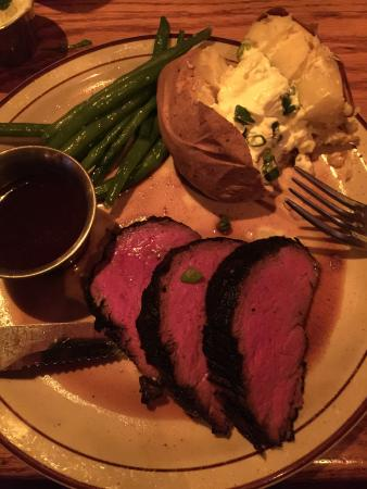 Ore House at the Pine Grove: Whiskey rubbed filet was very good