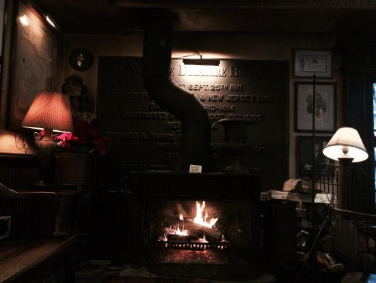 Anton's At The Swan: Fireplace at swan bar