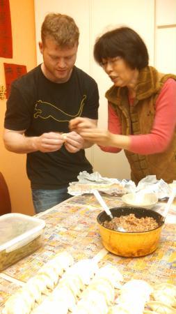Taipei City Home : They taught me how to make chinese dumplings!