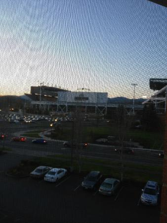 ‪‪Hilton Garden Inn Corvallis‬: View from room overlooking stadium‬