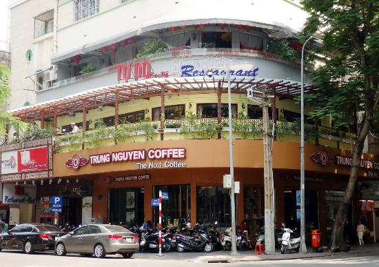Catina Hotel: 就在越南國產咖啡專業本舖對面-如照片