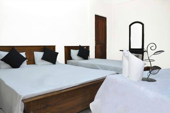 Prasanna Village Inn: Deulxe triple room