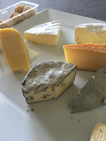 King Island Holiday Village: Cheese platter on arrival