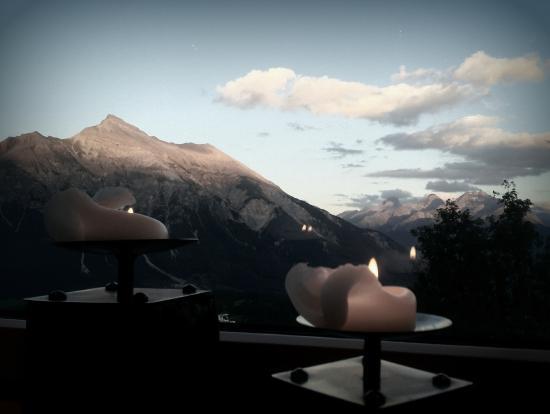 Berghotel Tgantieni: Aussicht Restaurant