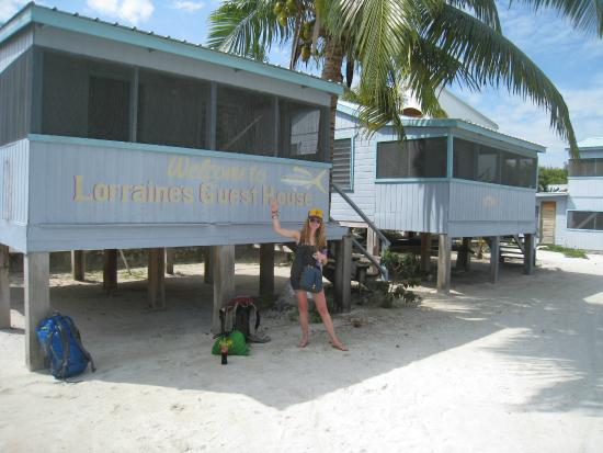 Lorraine's Guest House: cabanas