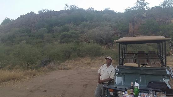 Etali Safari Lodge: Just before whe left the site where i proposed to my lovely Fianceé
