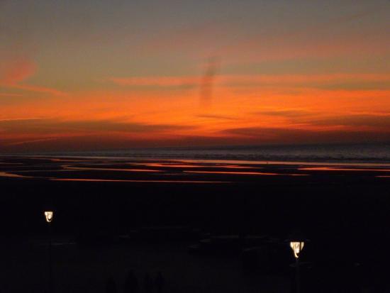 Hotel Sandeshoved : coucher de soleil sur la mer depuis l'appartement