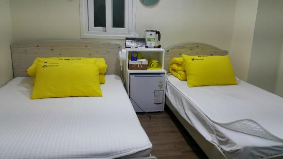 24guesthouse Myeongdong: triple room