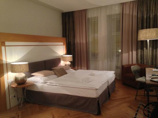 Jungmann: Hotelzimmer