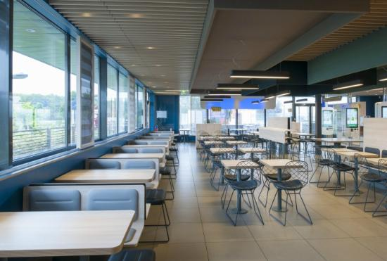 mcdonalds intrieur dcor no deco bleu