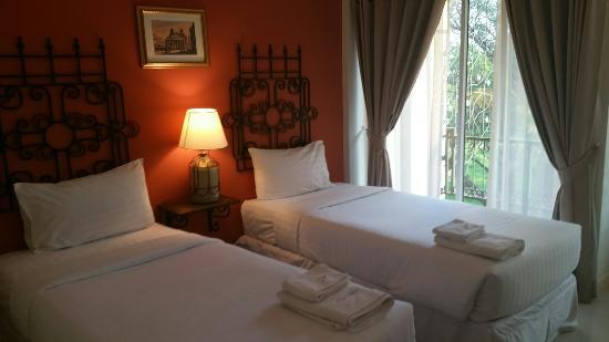 San Pareni Hotel