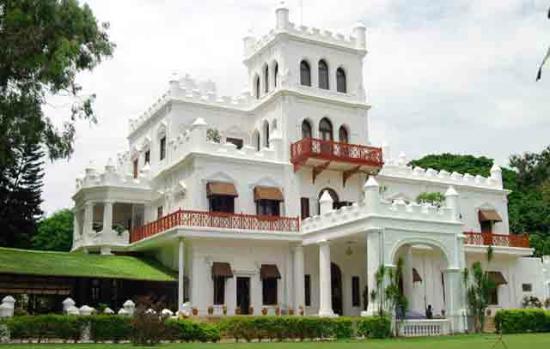 Jayamahal Palace: Restaurant in a Palace