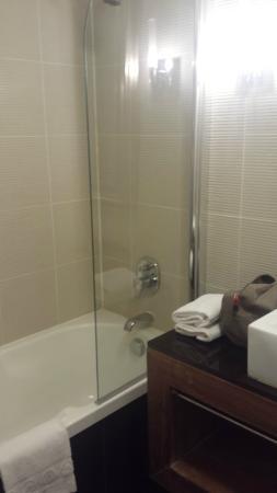 Hotel La Farandole: Salle de bain