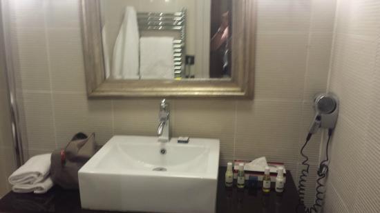 Hotel La Farandole: Salle de bains