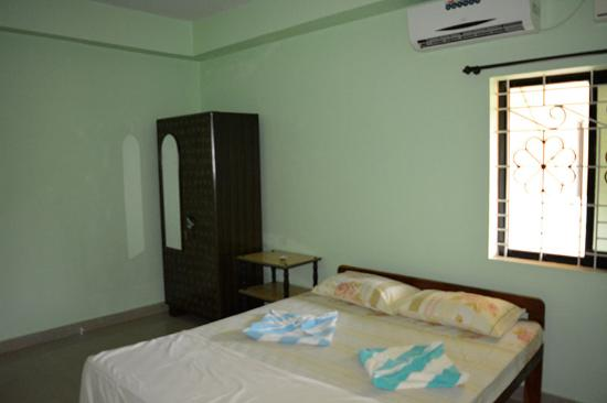 Ac Bedroom With Wardrobe Morjim Goa Picture Of Vailankanni Guest Rhtripadvisor: Ac For Bedroom At Home Improvement Advice