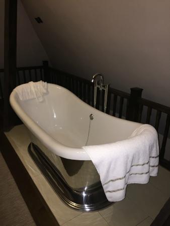 baignoire devant le lit photo de aspria bruxelles royal. Black Bedroom Furniture Sets. Home Design Ideas