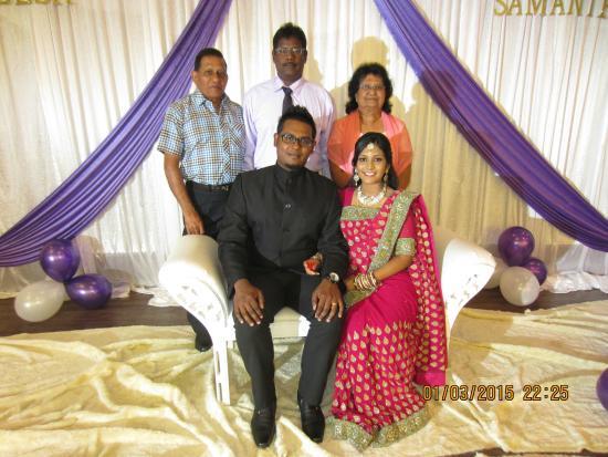 Dhineesh wed samantha family album picture of sri manja boutique sri manja boutique hotel dhineesh wed samantha family album junglespirit Images