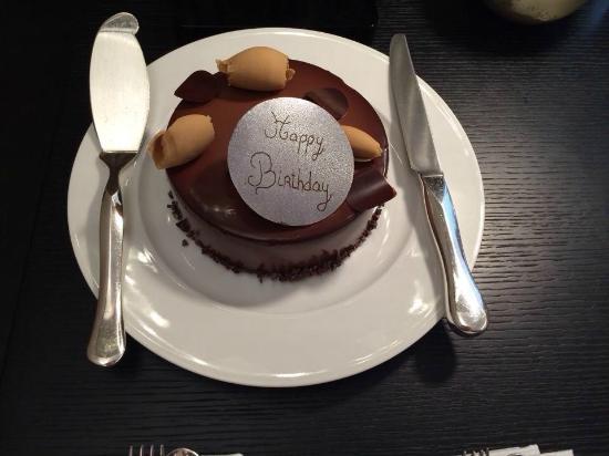 Bulgari Hotel, London : Birthday cake complimentary
