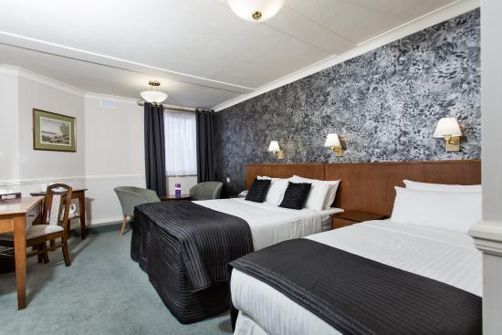 The Clarendon Hotel - Blackheath Village : Sleep 3 double and single