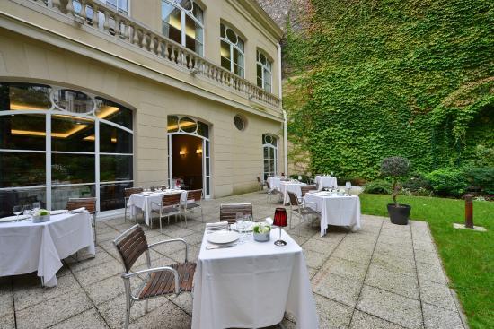 Terrasse Et Jardin Du Restaurant Jp Salle Picture Of Les