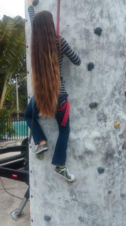 Andretti Thrill Park: Climbing rocks! :)