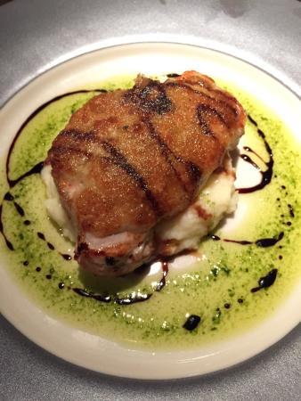 Gusto Restaurant : Croustillant de longe de porc au parmesan et sauce au pesto. Une tuerie. Changez rien!!!
