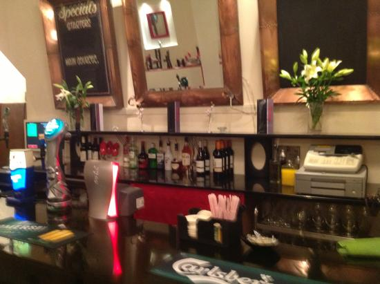 The Imperial: Main bar