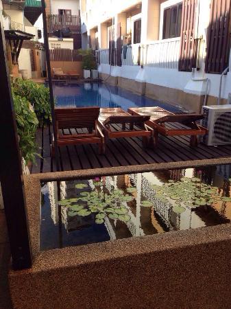 Rattana Beach Hotel: 2