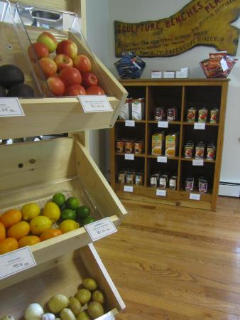 Belleayre Lodge: Organic Grocery