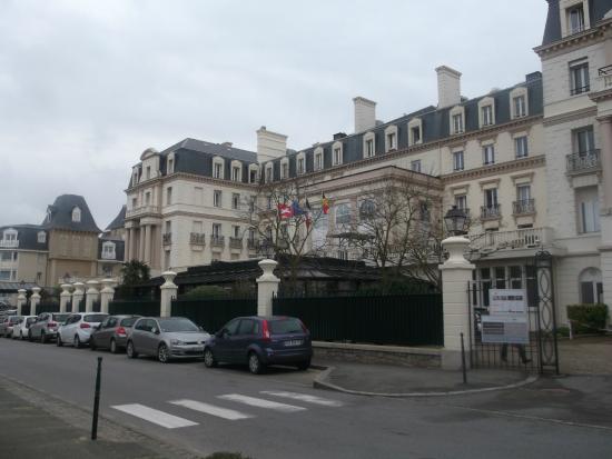 Brit Hotel Le Surcouf : Les Thermes Marins