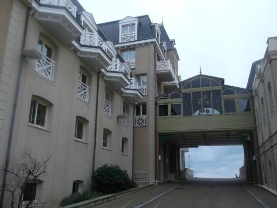 Brit Hotel Le Surcouf: Les Thermes Marins