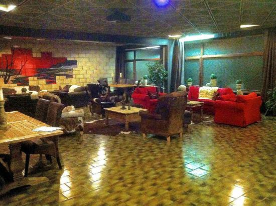 "Erlebnishotel Sonnenhof: ""Lounge"""