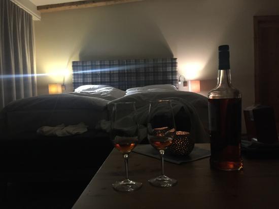 Hotel Theodul: Panorama Suite Blick auf Bett
