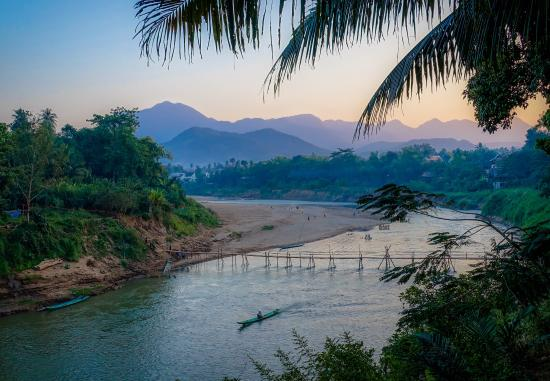 Luang Prabang, Laos: Bamboo bridge over Nam Khan River