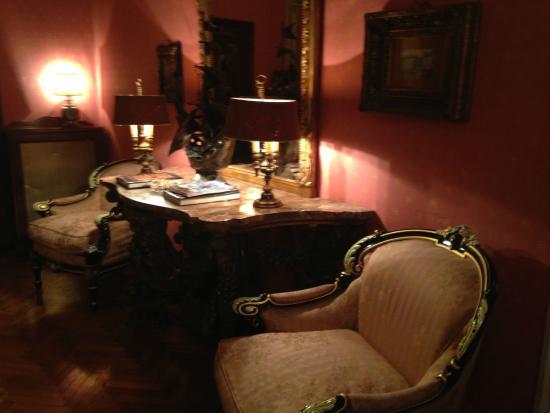 Residenza Frattina: área social próxima ao restaurante