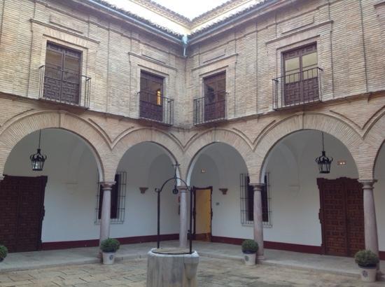 Municipal Museum of Antequera: patio del palacio